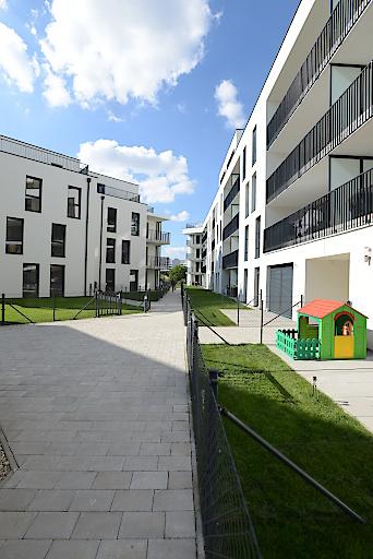 """Wohnhausanlage """"Mein 11er"""" in der Nussbaumallee 14, 1110 Wien, errichtet von der wvg Bauträger GmbH für die Niederösterreichische Versicherung AG als Bauherr. Architekt: F + P ARCHITEKTEN ZT GmbH"""