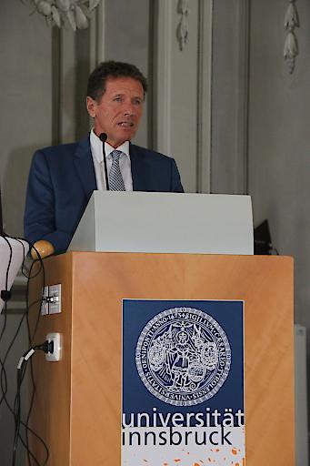 Präsident Karlheinz Töchterle bei der Eröffnungsrede
