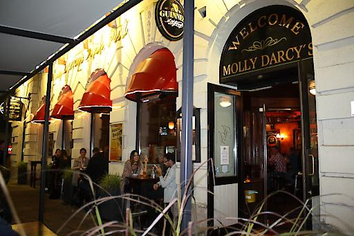Eingang Molly Darcys Irish Pub