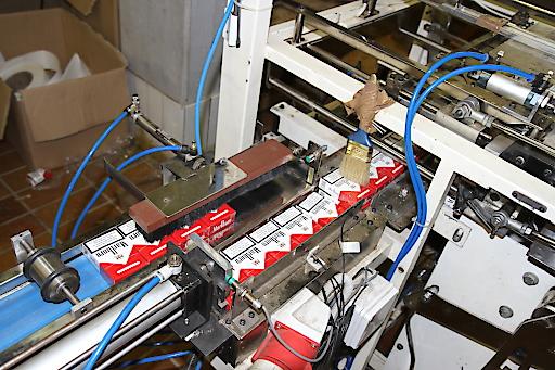 Zoll hebt illegale Zigarettenproduktion in Ostösterreich aus