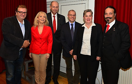v.l.n.r.: Christoph Matznetter, Marie-Theres Ehrendorff, Peter Zanoni, Harald Troch, Ortrun Gauper, Wolfgang Fasching