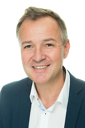 Dr. Martin Schumacher