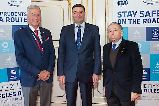 Am Rande der FIA-Generalversammlung in Wien kam es am Dienstag, 29.11., zu einem informellen Treffen zwischen FIA-Präsident Jean Todt (re.), ÖAMTC-Präsident Werner Kraus (li.) und Österreichs Verkehrsminister Jörg Leichtfried.
