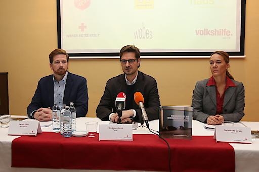 v.l.n.r. Gernot Ecker, Wolfgang Janik, Bernadette Straka -Vorstand des Verbandes der Wiener Wohnungslosenhilfe