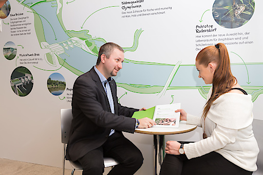 Der neue Ombudsmann des Murkraftwerk Graz, Michael Wedenig, steht im neuen Dialogbüro Anrainern für Fragen zum Projekt zur Verfügung.
