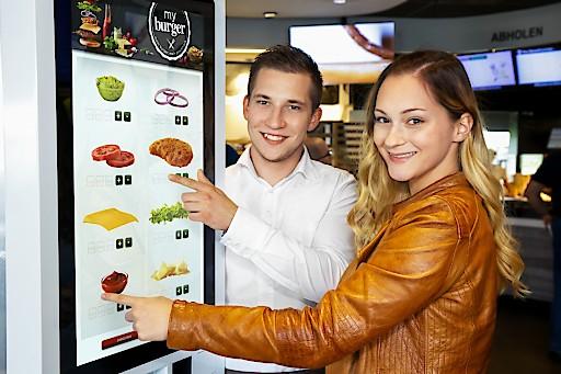 """Mit """"my burger"""" kann jeder Gast Burger selbst zusammenstellen."""