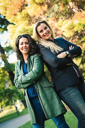 Katja Herzel und Isabel Steindl