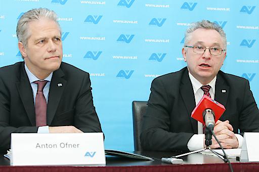 http://www.apa-fotoservice.at/galerie/8759 AUVA-Obmann DDr. Anton Ofner und Generaldirektor Dr. Helmut Köberl