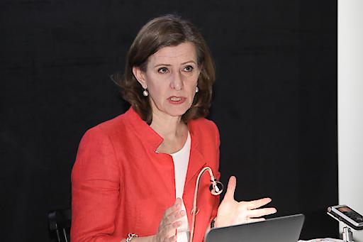 Geschäftsführerin bei der Pressekonferenz - 8 Jahre Vienna Film Commission