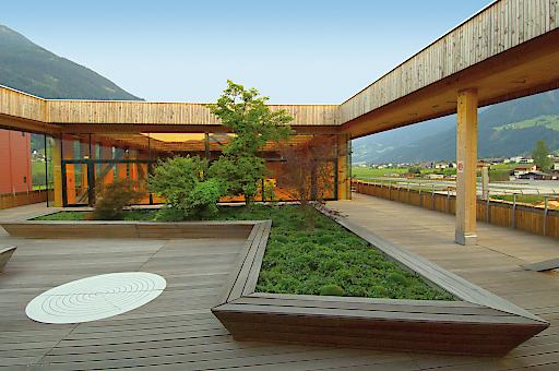Aussicht in alle Himmelsrichtungen im Dachgarten der HolzErlebnisWelt