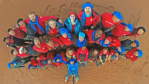 DCIM\155GOPRO - Touristiker aus 15 Nationen nahmen Ende Februar/Anfang März am internationalen Erfahrungsaustausch von Weltweitwandern in der marokkanischen Sahara teil.
