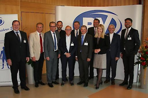 Gruppenfoto zur Eröffnung der SKA-RZ Bad Schallerbach