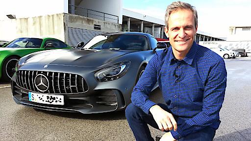 AMG lässt den GT-R von der Kette! Der GT wird zum Flügelmonster - und leistet in der neuesten Ausbaustufe satte 585 PS! GRIP-Testfahrer Matthias Malmedie fühlt dem ultraschnellen Sportwagen aufs Blech..