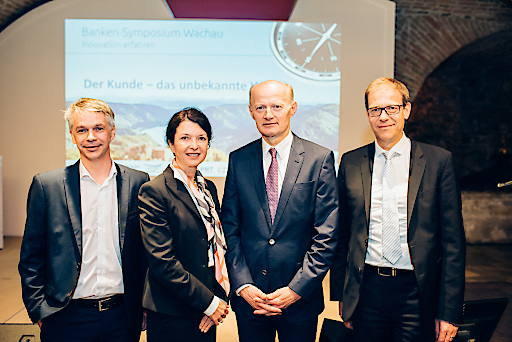 Banken-Symposium Wachau 2017: Mario Offenhuber (RIM Management KG), Susanne Höllinger (Kathrein Privatbank), Franz Gasselsberger (Oberbank), Thomas Puschmann (Universität Zürich) (von links).