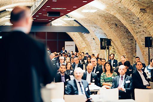 Rund 150 Führungskräfte aus Finanz, IT und Wissenschaft trafen sich im Stift Göttweig zum Banken-Symposium Wachau.