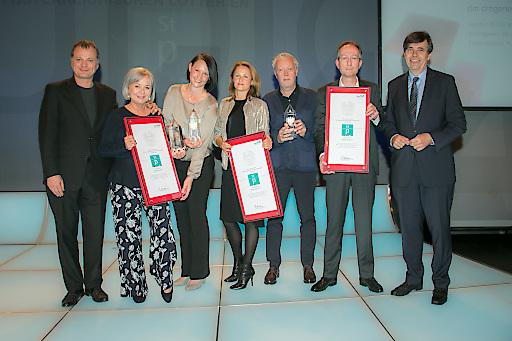 Jurypräsident Paul Harather, Heidemarie Stamm, Romy Richter (beide dm), Lisa Sugar, Hans Cepko, Christian Strassner (alle ReTALE) und Matthias Tschirf (BMWFW) bei der Verleihung des Staatspreises Werbung 2017.