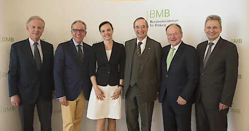 Im Bild v.l.n.r.: Georg Kapsch (IV), Rudi Kaske (AK), Sonja Hammerschmid (BMB), Christoph Leitl (WKÖ), Hermann Schultes (LK), Erich Foglar (ÖGB)
