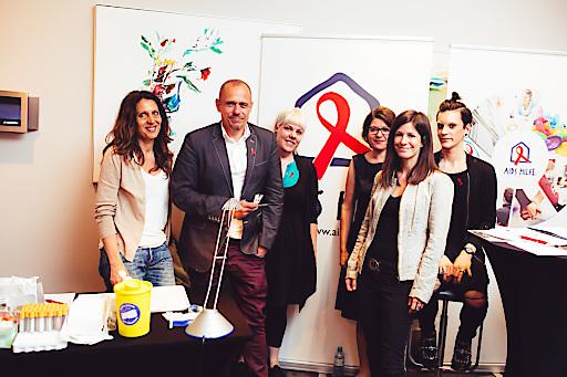 Das Team der Aids Hilfe Wien und Life Ball-Organisator Gery Keszler bei der PK im Le Meridien