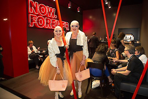 Bereits zum fünften Mal in Folge präsentiert Wien in der Collectors-Lounge der Art Basel in Basel sein zeitgenössisches Kunst- und Kulturangebot und spannt dabei – passend zum Jahresmotto 2018 – den Bogen zur Wiener Moderne, einer Epoche, deren kreatives Potenzial bis in die Gegenwart zu spüren ist.