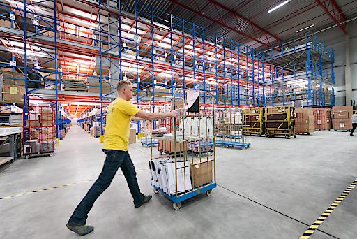 Mit einer Lagerfläche von 80.000 m2 und damit Europas größtem ITK Logistikzentrum, punktet Ingram Micro mit einer besonders hohen Verfügbarkeit der Ware.