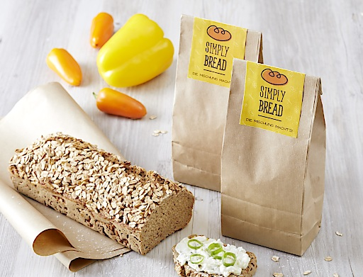Packshots von unseren Mischungen und auch ein fertiges Brot