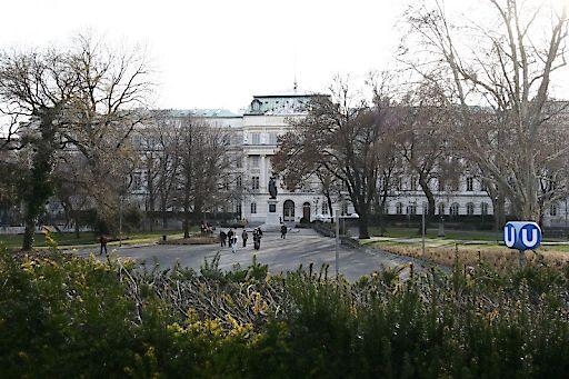 Außenansicht TU Wien, Standort Karlsplatz/Resselpark