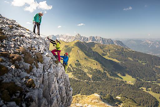 Wunderbare Klettersteig-Tour im Rätikon, Klettersteig Gauablickhöhle, im Hintergrund: Vandanser Steinwand mit Zimba