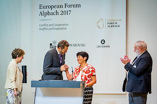 Wissenschaftsminister Harald Mahrer mit Helga Nowotny