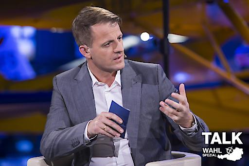 """Michael Fleischhacker für durch die sechs Live-Sendungen des """"Talk im Hangar-7 - Wahl-Spezial"""", die ab Donnerstag, 31.8., starten."""