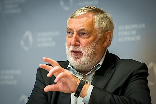 Franz Fischler zieht positive Bilanz und präsentiert aktuelle Teilnehmerzahlen des Europäischen Forums Alpbach 2017.