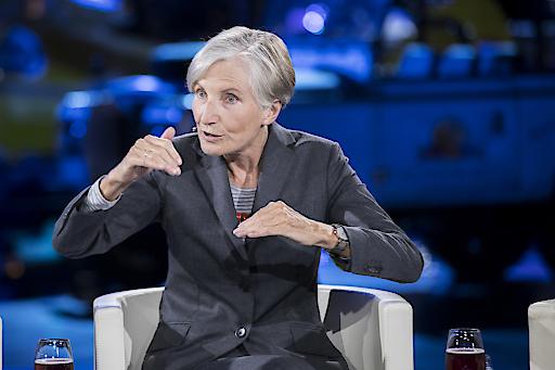 """Irmgard Griss beim gestrigen """"Talk im Hangar-7 - Wahl-Spezial"""" bei ServusTV"""