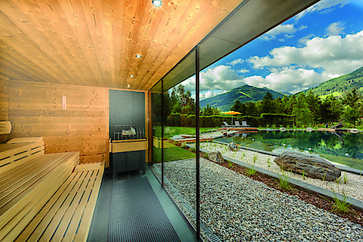klafs sauna am neuen badesee in der alpentherme gastein. Black Bedroom Furniture Sets. Home Design Ideas