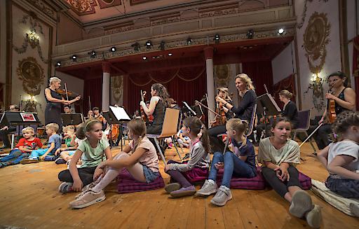Schulkonzert am 14. September mit der Haydn Philharmonie im Haydnsaal des Schlosses Esterházy in Eisenstadt