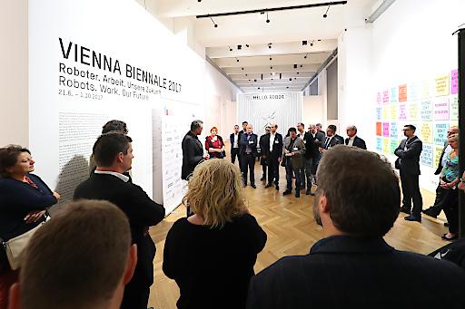"""https://www.apa-fotoservice.at/galerie/9902/ Impressionen des VIP-Events """"Hello, Robot. Design zwischen Mensch und Maschine"""""""