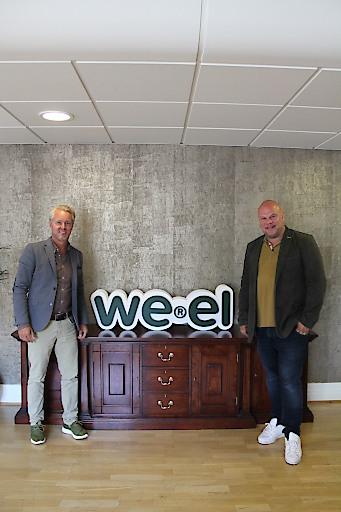 Tony Gustavsson, Sales & Marketing Manager von Lyoness Schweden (links), und Peter Swartling, Vizepräsident von Werel, freuen sich über die vereinbarte Kooperation.