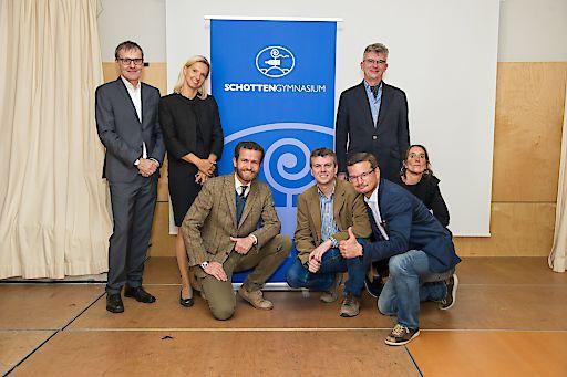 Im Bild v.r.n.l.: Petra Augustyn, Martin Platzer, Martin Steininger (vorne), Mike Heininger, Bernd Litzka,Ulrike Plank, Josef Harold.