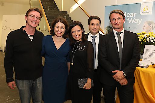 Personen v.r.n.l.: Anton Zehentbauer, Antonio Sportelli, Valentina Mileto (alle Cochlear), Kim Ralston (Australische Botschaft)