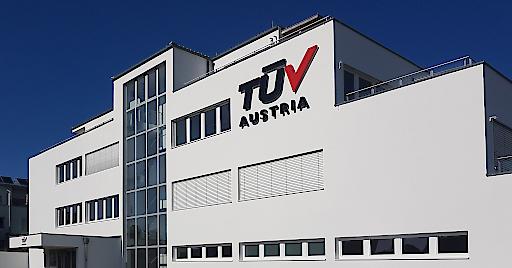 Die Wiener Bundesstraße 8 ist nunmehr Kompetenzzentrum für technische Sicherheitsdienstleistungen, Qualitätsmanagement, Aus-und Weiterbildung, Prüfung und Inspektion sowie Industrial Services. Das TÜV AUSTRIA Prüfzentrum in Thalheim bei Wels wird, ebenso wie die unternehmenseigene Schreiner Consulting, am Standort Leonding wichtiger integrativer Teil der Neuaufstellung der Unternehmensgruppe in Oberösterreich. Die Werkstoffprüfung samt dem größten und modernsten Strahlenanwendungsraum in Österreich bleibt weiterhin am Standort in Steinhaus.