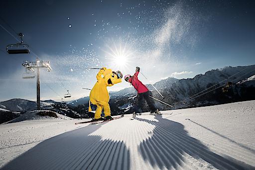 Die Zillertal Arena, das größte Skigebiet im Zillertal, bietet nicht nur 143 Pistenkilometer mit 52 Seilbahnen und Liften, sondern auch 13 kostenlose Zusatzangebote auf und abseits der Pisten – mehr als jedes andere Skigebiet in Österreich.