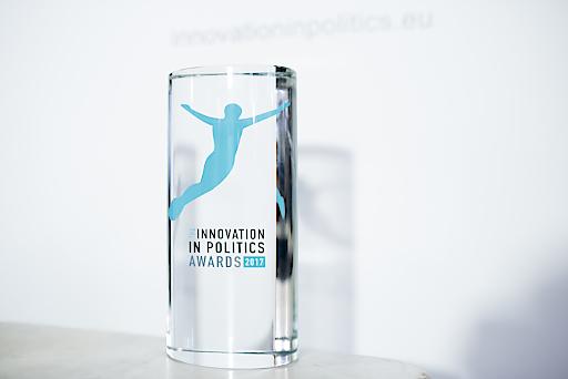 Trophäe Innovation in Politics Awards.2017