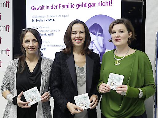 """Präsentation des Büchleins """"Auf hoher See – Kinder als Opfer häuslicher Gewalt"""" der Österreichischen Kinderschutzzentren"""