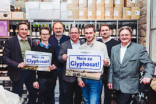 Vorstand Leithaberg DAC v.l.n.r.: Stefan Tscheppe, Leo Sommer Jr., John Nittnaus, Andi Liegenfeld, Georg Prieler, Markus Altenburger, Hans Nehrer