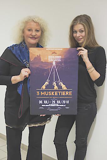 Marika Lichter & Zoë Straub bei der Bekanntgabe der Besetzung des Musicalsommer Winzendorf