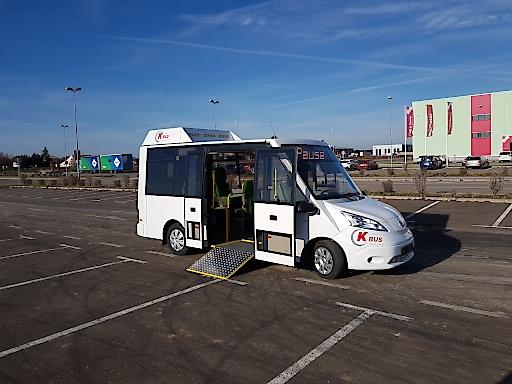 Niederflur Elektrobus bis 11 Sitzplätze zzgl. 3 Klappsitze