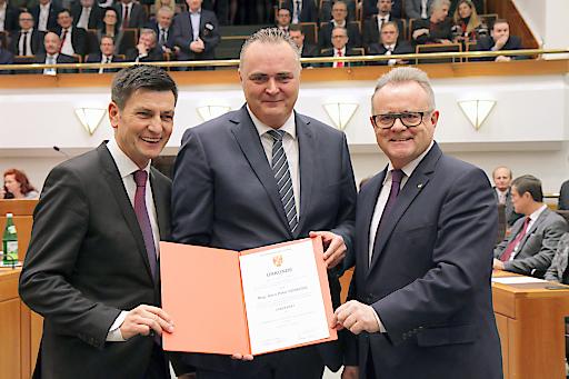 Wahl und Angelobung von Hans Peter Doskozil als Landesrat im Burgenland. LT-Präsident Christian Illedits, LR Doskozil und LH Hans Niessl.