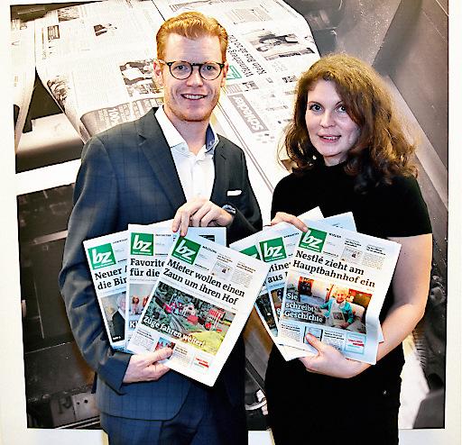 bz-Geschäftsführer Maximilian Schulyok und bz-Chefredakteurin Nicole Gretz-Blanckenstein präsentieren die neue bz.