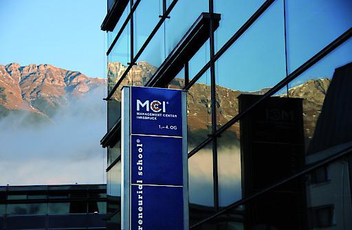Eine langjährige Partnerschaft zur gemeinsamen Entwicklung des Wirtschaftsstandortes verbindet das MCI in Innsbruck mit der Hypo Tirol Bank.