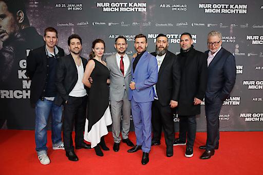 Bild Nur Gott Kann Mich Richten Feiert Große Premiere In Frankfurt