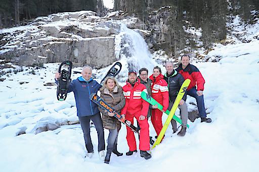 Im Bild v.l.n.r.: GF Christian Wörister, GF Petra Lemberger, Bastian Wielandner, LAbg. Michael Obermoser, Sabine Grauer, Bgm. Erich Czerny und Arnuld Hartl