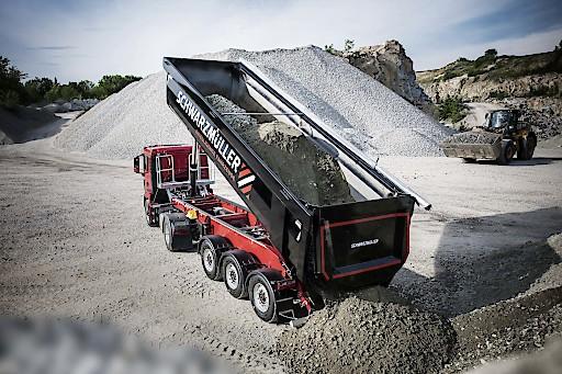 Der Absatz von Baufahrzeugen boomt in Deutschland. In Österreich und der Schweiz ist Schwarzmüller weiterhin Marktführer.